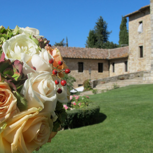 Lush medieval themed wedding in Tuscany
