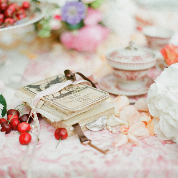 Spring luxury wedding inspiration
