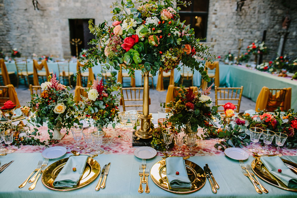 table-coral-mint-reception
