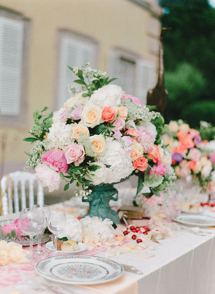wedding-reception-spring table flowers