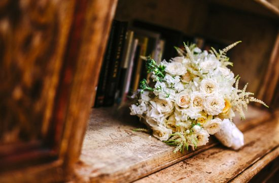 white-wedding-bridal-bouquet