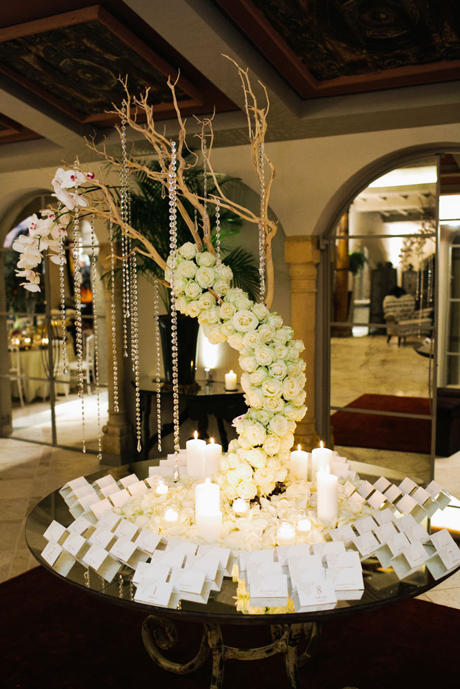 white roses table manzanita centerpiece