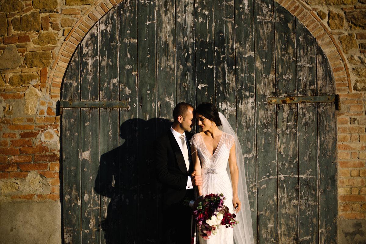 bridal-bouquet-couple